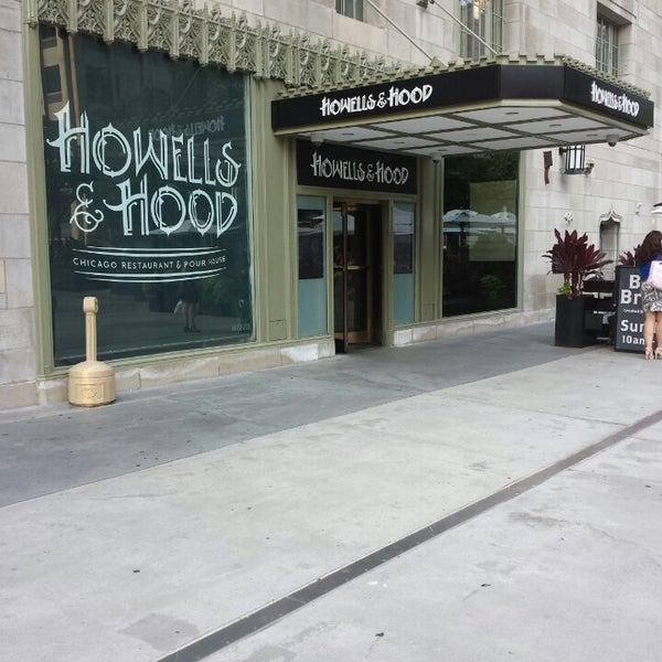 8/21/2013 tarihinde Akos A.ziyaretçi tarafından Howells & Hood'de çekilen fotoğraf