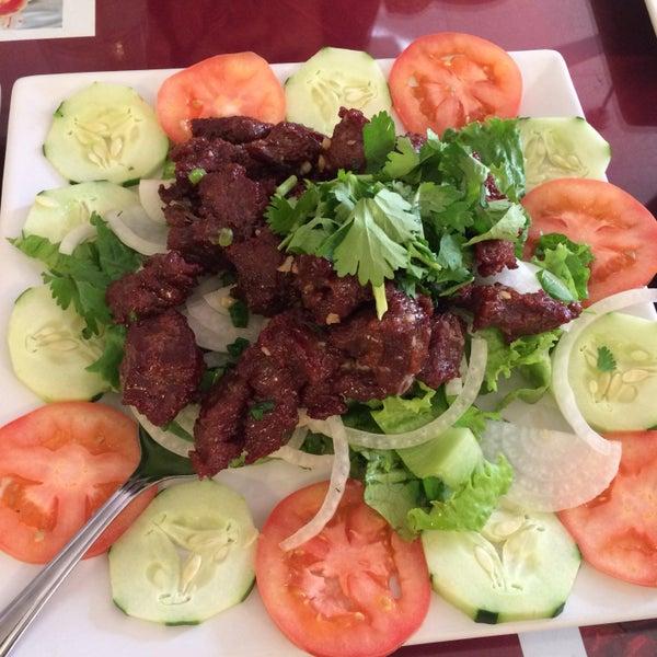 asian-restaurant-lowell-tiny-midget-women