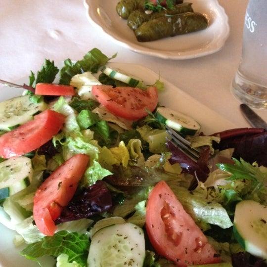 5/1/2012에 Danielle Horn/ M.님이 Sahara Restaurant에서 찍은 사진