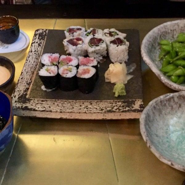 Photo prise au Sushi Zen par Thomas B. le12/30/2015