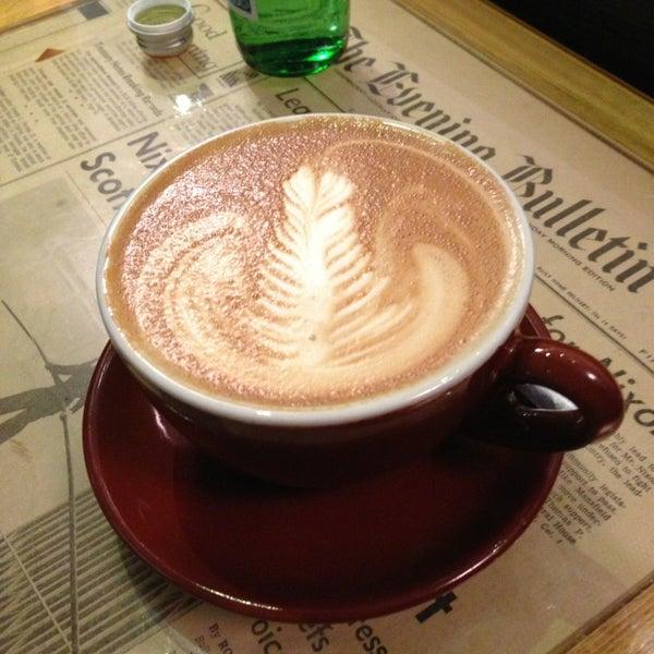 1/27/2013 tarihinde Steffan A.ziyaretçi tarafından Thinking Cup'de çekilen fotoğraf