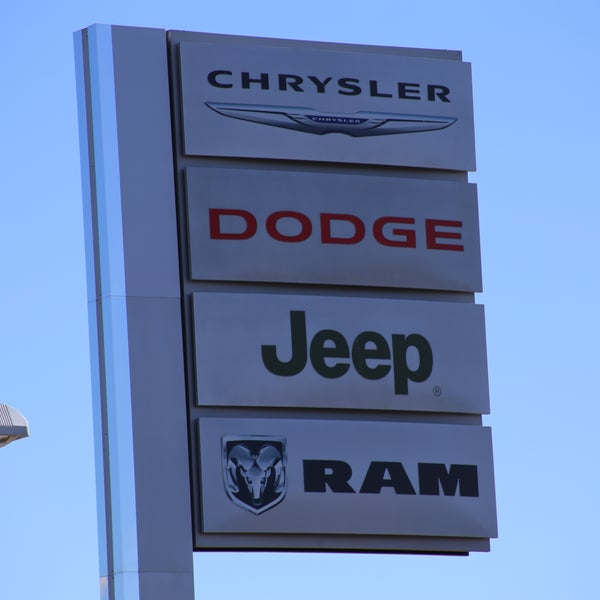Stephen Wade Dodge >> Photos At Stephen Wade Chrysler Jeep Dodge Ram Fiat 1724