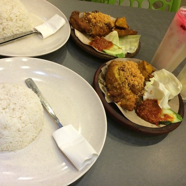 Photo Taken At Dapur Penyet Putrajaya By Nurul Q On 3 4 2016