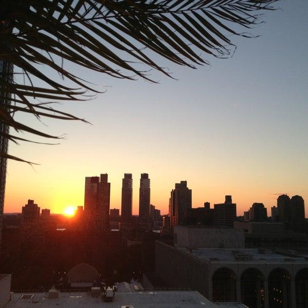 Снимок сделан в The Empire Hotel Rooftop пользователем Amánda E. 7/30/2013