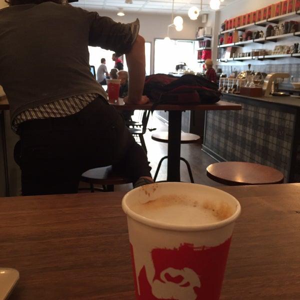 Foto scattata a Gorilla Coffee da Yosuke H. il 11/13/2016