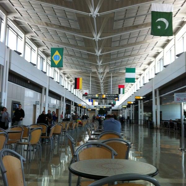 Снимок сделан в Вашингтонский аэропорт имени Даллеса (IAD) пользователем Kirill Z. 5/17/2013