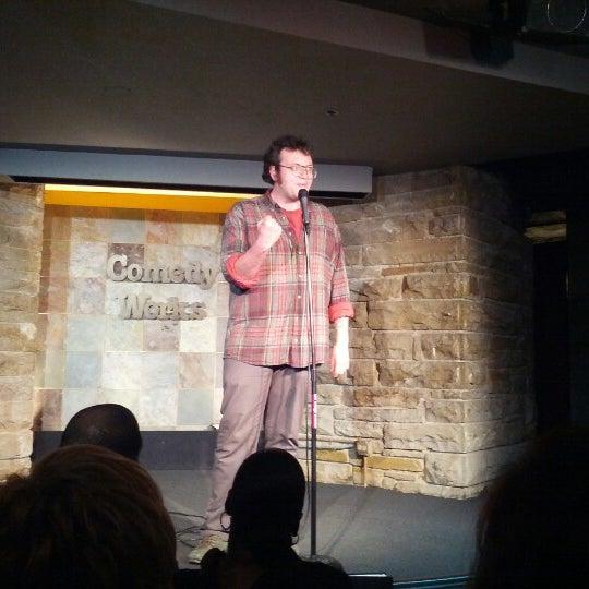 1/30/2013 tarihinde ianziyaretçi tarafından Comedy Works Downtown in Larimer Square'de çekilen fotoğraf