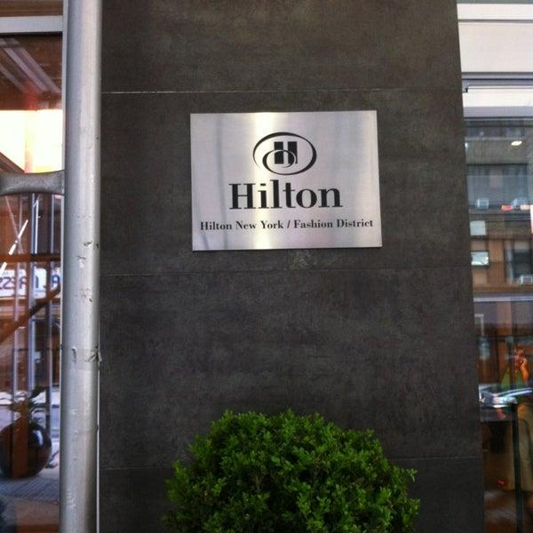 5/24/2013 tarihinde Gordon G.ziyaretçi tarafından Hilton New York Fashion District'de çekilen fotoğraf
