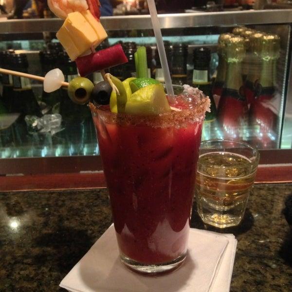 2/16/2013에 Allison F.님이 Ike's Food & Cocktails에서 찍은 사진