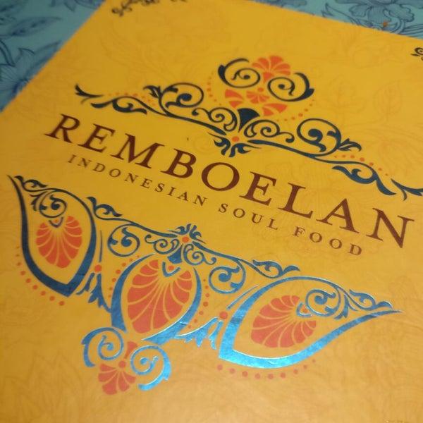 Foto scattata a REMBOELAN Indonesian Soulfood da meytri d. il 11/4/2017