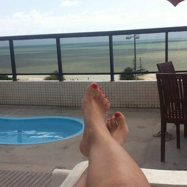 Foto tirada no(a) Atlântico Praia Hotel por Marilia V. em 10/29/2015