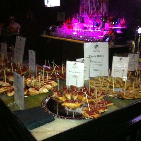 Foto tomada en The Lady Silvia Lounge por Juan L. el 10/19/2012