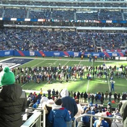 รูปภาพถ่ายที่ MetLife Stadium โดย Brian S. เมื่อ 12/30/2012