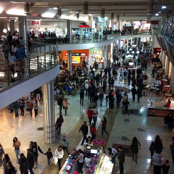 10/12/2012 tarihinde Farley G.ziyaretçi tarafından Shopping Estação'de çekilen fotoğraf