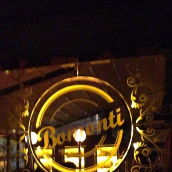 Photo prise au Brasserie Bomonti par Mustafa A. le4/4/2013