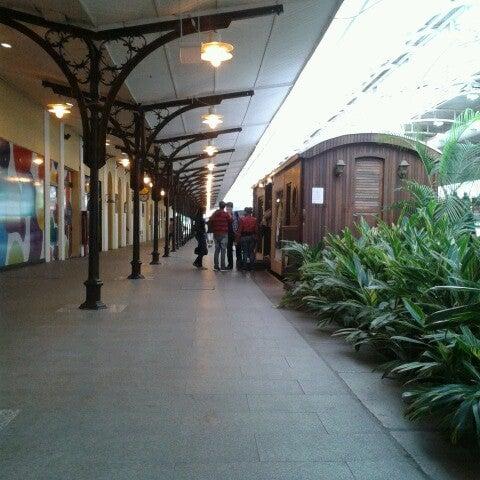 3/29/2013 tarihinde Katherine A.ziyaretçi tarafından Shopping Estação'de çekilen fotoğraf