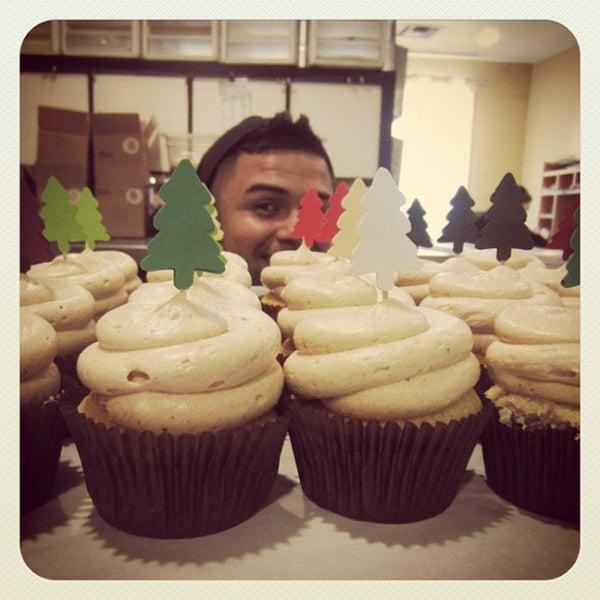 Снимок сделан в Urban Cookies Bakeshop пользователем Shaun B. 12/6/2012