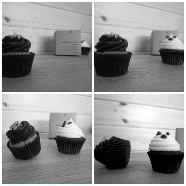 Foto tirada no(a) Urban Cookies Bakeshop por Shaun B. em 10/24/2012