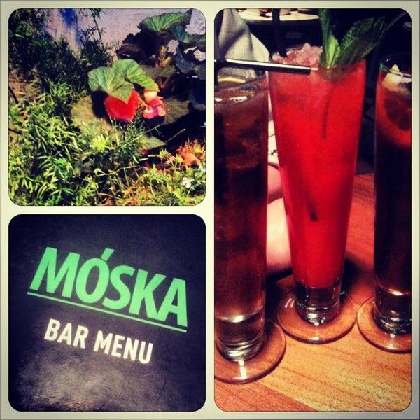 Foto scattata a Moska Bar da Liya S. il 5/29/2013