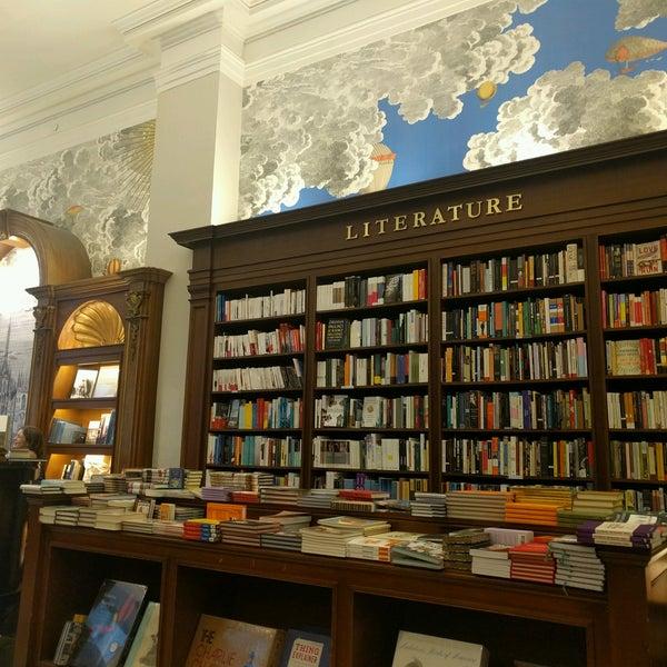 Снимок сделан в Rizzoli Bookstore пользователем Ilia M. 8/9/2016