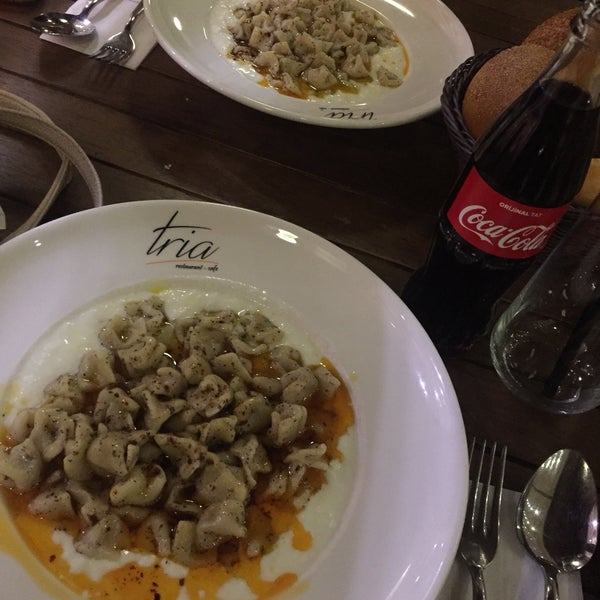 Foto tomada en Tria Restaurant Cafe por Elif Ş. el 12/29/2017