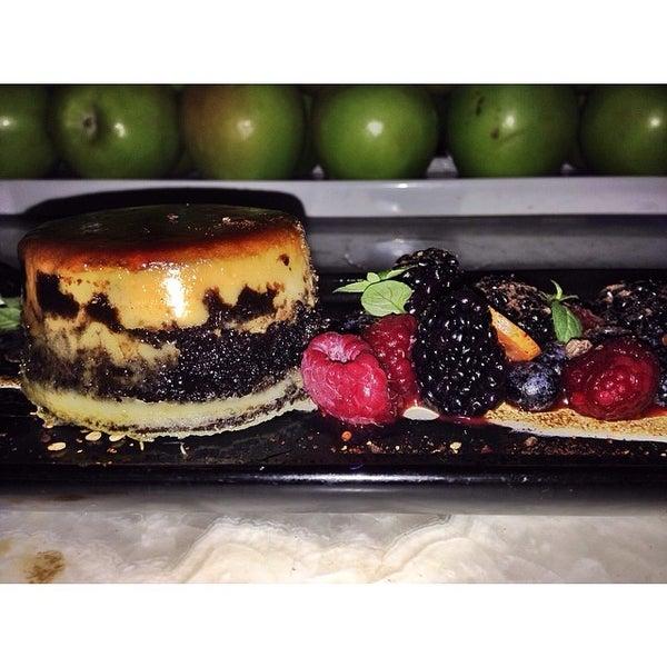 Foto tomada en HaVen Gastro-Lounge por Mike P. el 3/9/2014