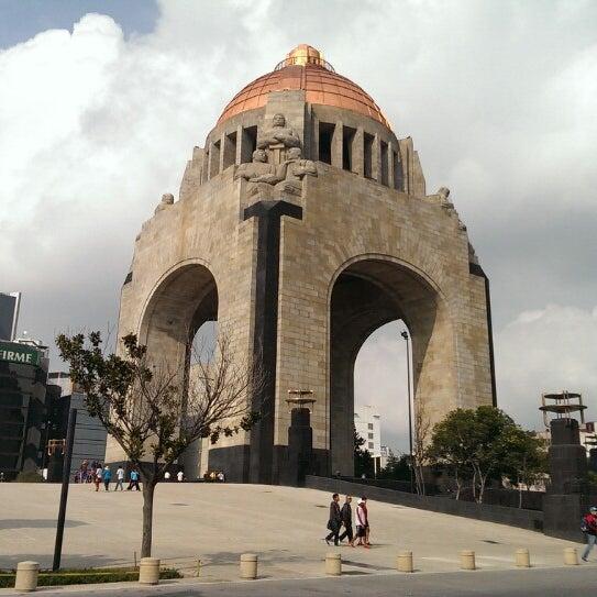 Foto tomada en Monumento a la Revolución Mexicana por Benjamin Eduardo R. el 7/17/2013