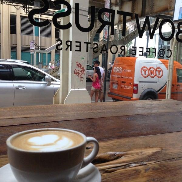 Photo prise au Bow Truss Coffee par Kamilah M. le8/5/2013