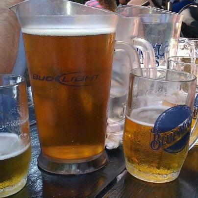 9/22/2012 tarihinde Ulrike D.ziyaretçi tarafından Bohemian Hall & Beer Garden'de çekilen fotoğraf