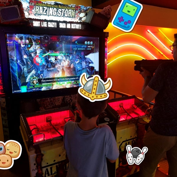 7/19/2017 tarihinde Adem G.ziyaretçi tarafından Fantasyland Oyun Merkezi & Coffee'de çekilen fotoğraf