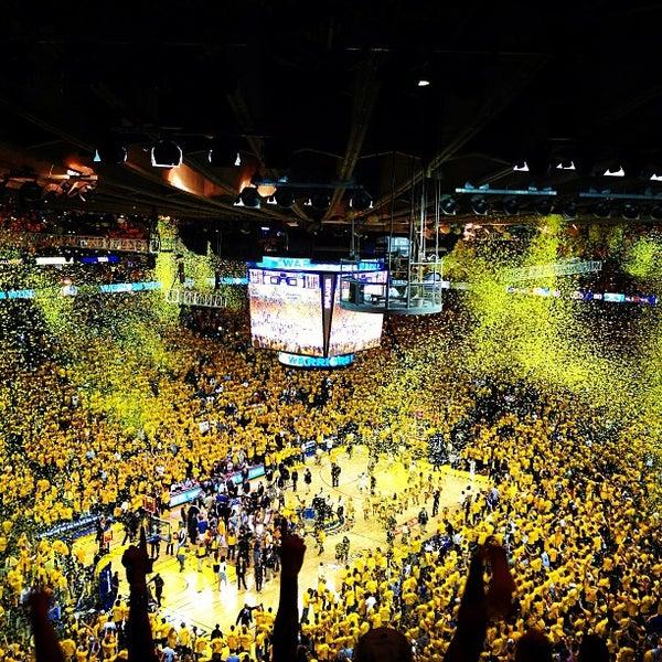 รูปภาพถ่ายที่ Oakland Arena โดย Chester N. เมื่อ 5/3/2013