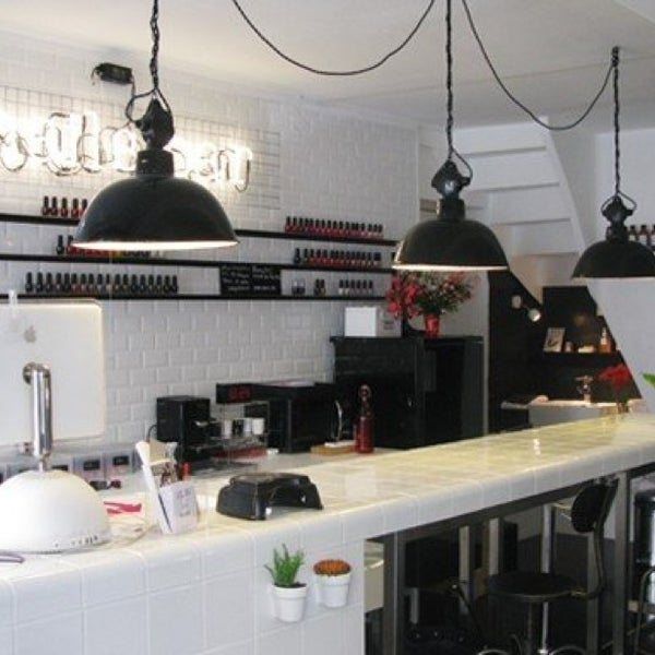 l 39 atelier des rouges shopping mall. Black Bedroom Furniture Sets. Home Design Ideas