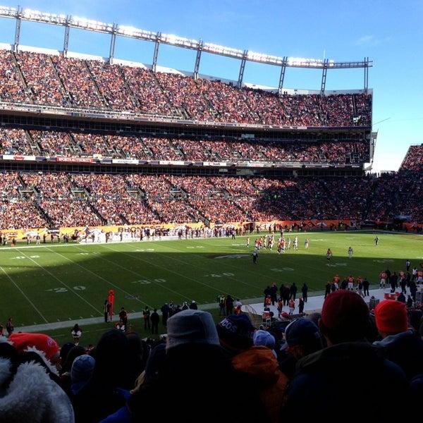 Foto diambil di Broncos Stadium at Mile High oleh Buddy G. pada 12/23/2012