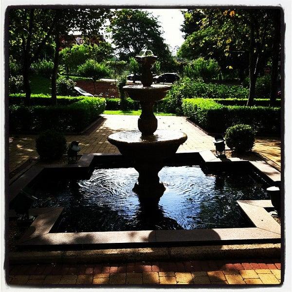 Das Foto wurde bei Shopping Iguatemi von Rogerio M. am 10/28/2012 aufgenommen