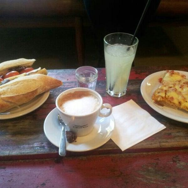 Foto diambil di Boulangerie Cocu oleh Solo M. pada 3/15/2013