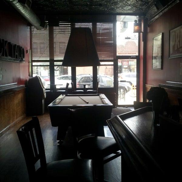 Foto diambil di Easy Bar oleh Jordan C. pada 4/29/2013