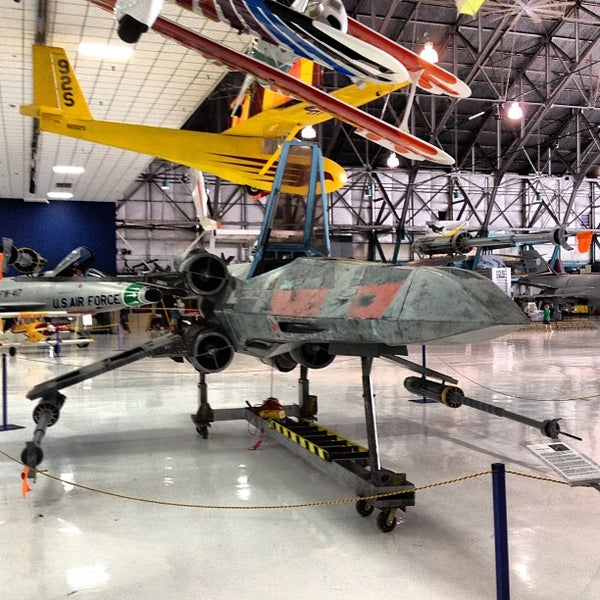 Foto tomada en Wings Over the Rockies Air & Space Museum  por Crispin B. el 7/16/2013
