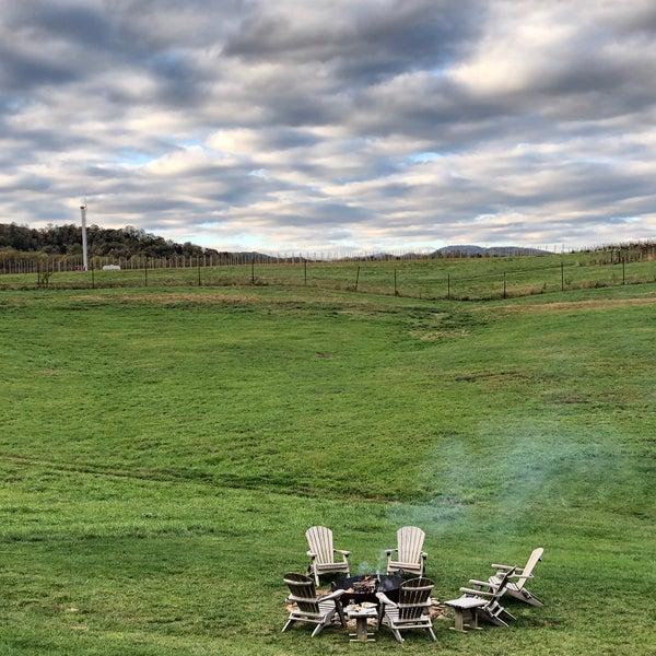 Снимок сделан в Early Mountain Vineyards пользователем brian m. 10/31/2020