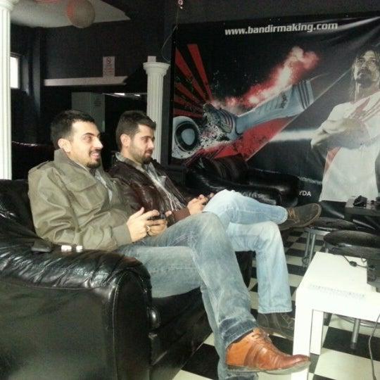 12/31/2012 tarihinde Gökhan G.ziyaretçi tarafından Bandırma KING Playstation'de çekilen fotoğraf