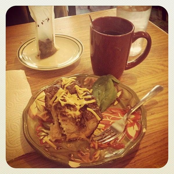 Снимок сделан в Sentient Bean пользователем Lisa 12/30/2012