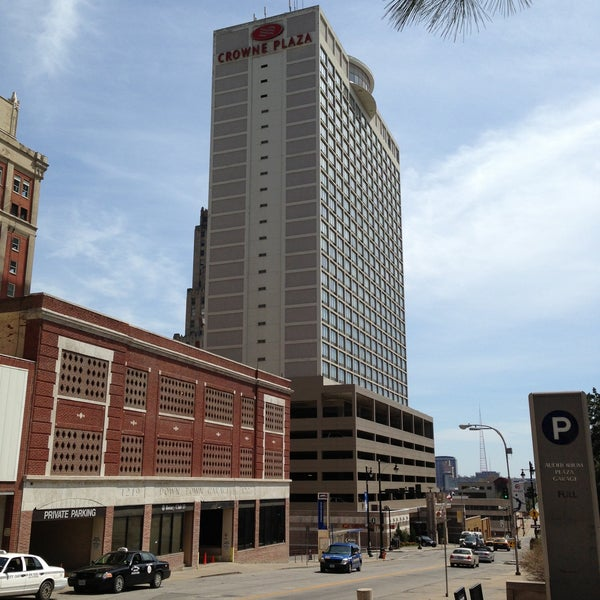 Crowne Plaza Kansas City Downtown Hotel In Convention
