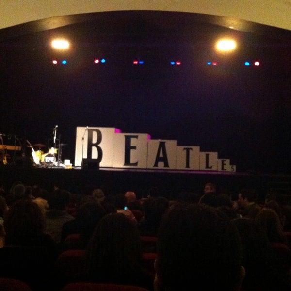 Foto diambil di Teatro Nescafé de las Artes oleh Loreto L. pada 6/6/2013