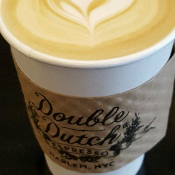 รูปภาพถ่ายที่ Double Dutch Espresso โดย Lisa เมื่อ 10/25/2016