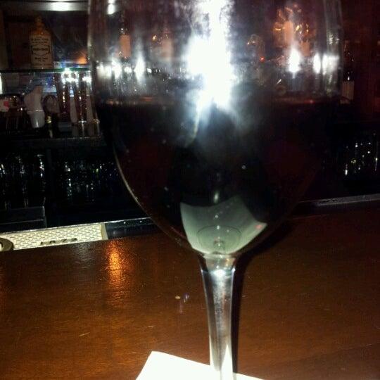 Das Foto wurde bei Beacon Restaurant & Bar von Lisa am 12/9/2012 aufgenommen