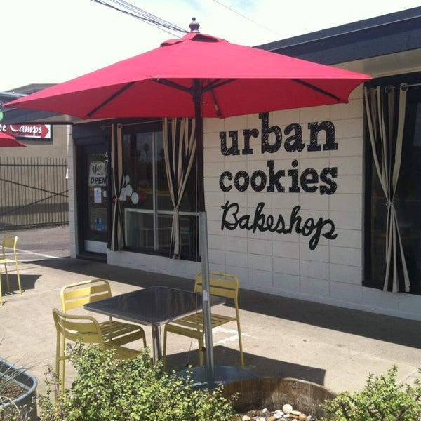 Photo prise au Urban Cookies Bakeshop par Michael S. le5/25/2014