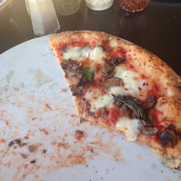 Снимок сделан в Pizza CS пользователем Laura M. 4/15/2016