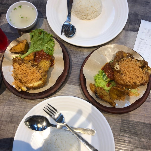 Photo Taken At Dapur Penyet By Aiza A On 8 12 2018