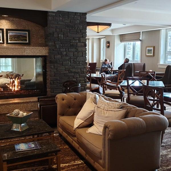 Fairmont Gold Reception Lounge 1 Tip