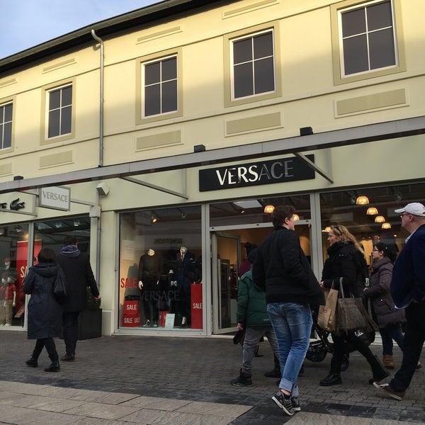 Welp Versace - Boutique in Roermond WS-43