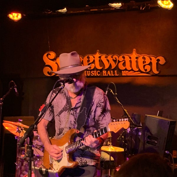Foto tirada no(a) Sweetwater Music Hall por Megan M. em 2/16/2020